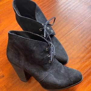 Women's size 10 BCBGeneration heeled ankle boots